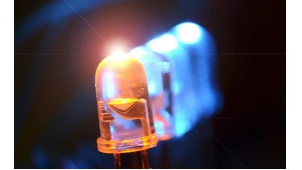 半導體發光器件包括半導體發光二極管