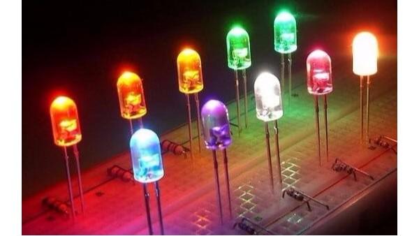 某一個發光二極管所發之光并非單一波長
