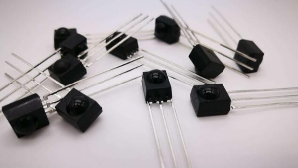 光敏接收管與光敏二極管工作原理詳解